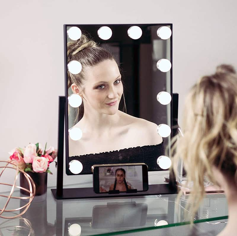 10 Makeup Mirrors To Garnish Your Restroom or Vanity Table