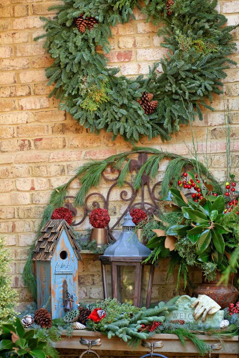 40 Stunning Christmas Porch Ideas