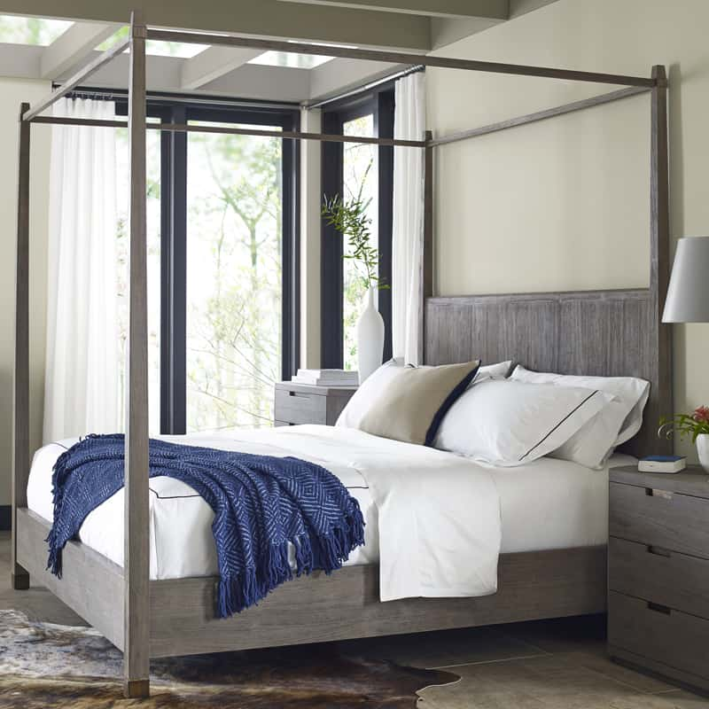 bedrooms with canopy beds